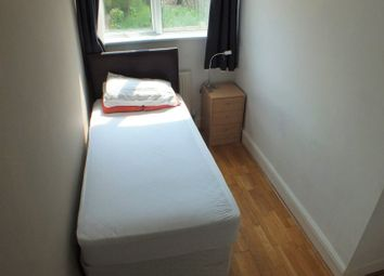 Thumbnail Room to rent in William Street, Reading