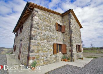 Thumbnail 4 bed country house for sale in Strada Provinciale Del Monte Amiata, Pienza, Siena, Tuscany, Italy