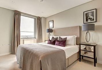 Thumbnail 4 bedroom flat to rent in Merchant Square, London
