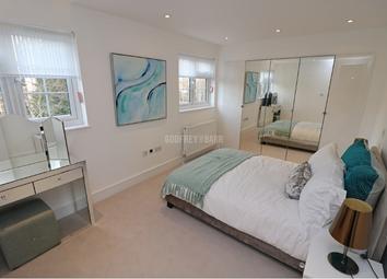 Thumbnail 2 bedroom flat to rent in Ravenscroft Avenue, London