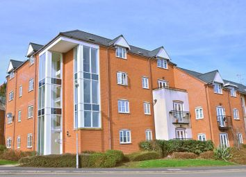Thumbnail 2 bed flat for sale in Vale House, Common Road, Evesham