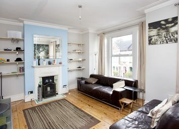 Thumbnail 3 bed flat to rent in Kingscourt Road, London