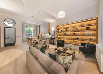 Thumbnail 3 bed flat for sale in Warwick Square, London