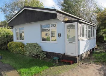 Thumbnail 2 bed mobile/park home for sale in The Crescent, Penton Park (Ref 4971), Chertsey, Surrey