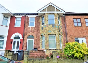 Thumbnail 3 bed flat to rent in Albany Road, Chadwell Heath