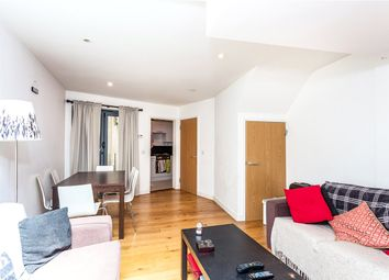 Thumbnail 3 bed flat to rent in Oakley Crescent, Angel