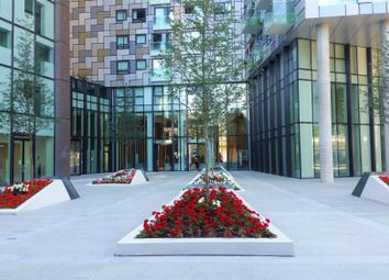Thumbnail 1 bed flat for sale in Lincoln Plaza, Canary Wharf, London