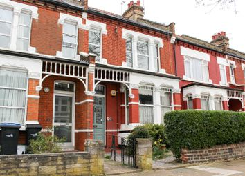 Thumbnail 3 bed flat to rent in Elvendon Road, London