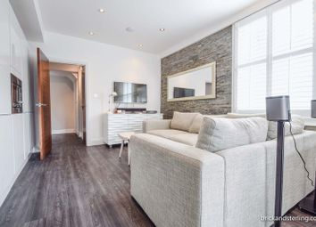 Thumbnail 2 bed flat to rent in Townmead Road, London