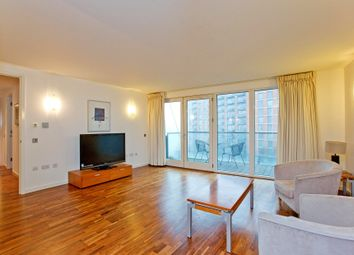 Thumbnail 2 bedroom flat to rent in Farmont Avenue, London