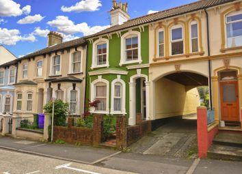 Thumbnail 2 bed flat for sale in Queens Road, Aldershot