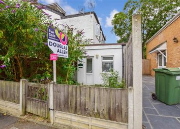 1 bed flat for sale in Cleveland Road, London E18