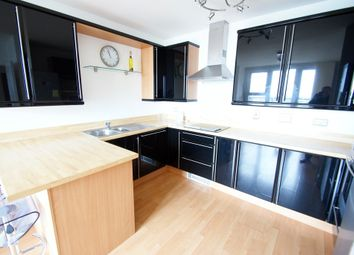 Thumbnail 2 bedroom flat to rent in Queen Street, Cardiff
