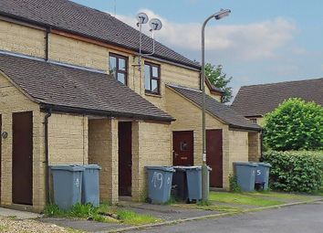 Thumbnail 1 bed flat to rent in Cogges Hill Road, Witney, Oxfordshire