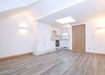 Thumbnail 1 bedroom flat to rent in Reading Road, Henley-On-Thames