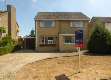 Thumbnail 3 bed property for sale in Kingsmead, Lechlade