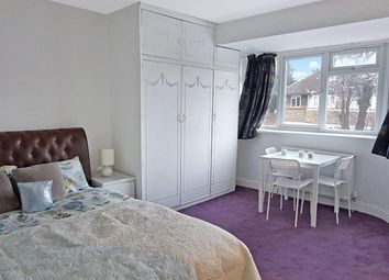 Thumbnail Room to rent in Cheyneys Avenue, Edgware