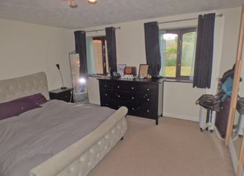 Thumbnail 1 bed flat to rent in Woodridge Close, Enfield