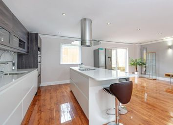 Thumbnail 4 bed property to rent in Camden Mews, London