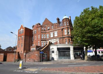 Southfields Road, Eastbourne BN21. 2 bed flat