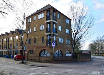 Thumbnail 1 bed flat to rent in Brunswick Quay, London