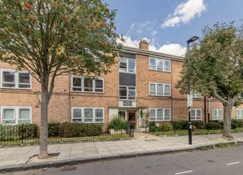 Thumbnail 2 bed flat for sale in Queen Margarets Grove, London