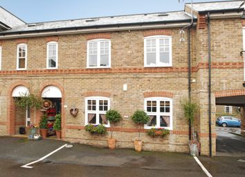 Thumbnail 2 bed flat to rent in St. Leonards Road, Windsor