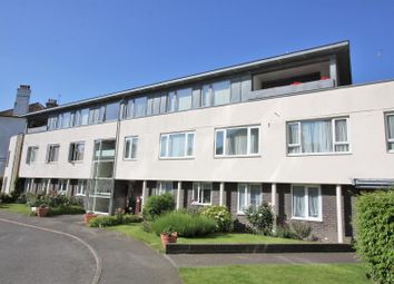 Chiswick Place, Eastbourne BN21. 3 bed flat
