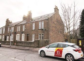 Thumbnail 2 bed flat to rent in Forthill Road, Broughty Ferry, Dundee