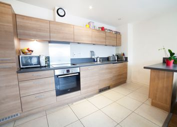 Room to rent in 600 Commercial Road, Limehouse, London E14