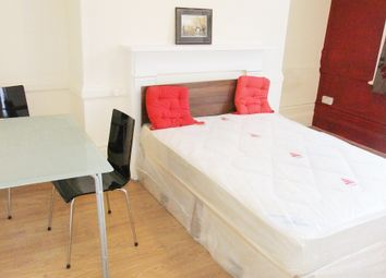 Thumbnail Studio to rent in Cricklewood Lane, London