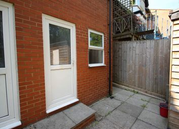 Thumbnail 1 bedroom flat to rent in Downs Road, Luton, Bedfordshire LU1, Luton