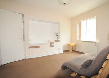 Thumbnail 1 bed flat to rent in Gillygate, City Centre, York