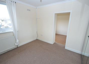 Thumbnail 1 bedroom flat for sale in Anton Crescent, Kilsyth, Glasgow