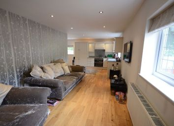 Thumbnail 1 bed flat to rent in Waingels Road, Lands End, Twyford, Reading