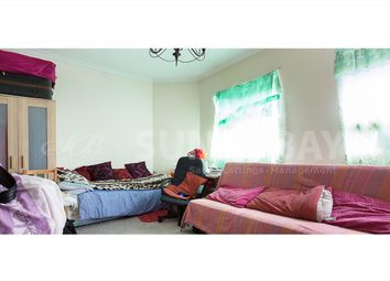 Thumbnail 1 bed flat to rent in Merton Road, Southfields