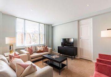 Thumbnail 1 bed flat to rent in Waverton Street, Mayfair, London