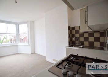 2 bed maisonette to rent in Boundary Road, Hove BN3