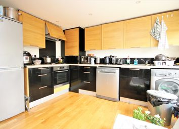 Thumbnail 2 bed duplex to rent in Freegrove Road, Islington