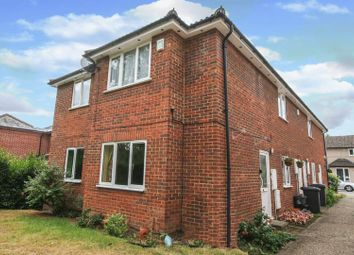 Thumbnail 2 bed flat for sale in Newtown Road, Marlow