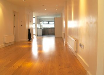 Thumbnail 1 bed flat to rent in Bethnal Green Road, Shoreditch