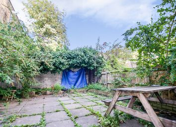 Thumbnail 4 bed detached house to rent in Pedlars Walk, London, London