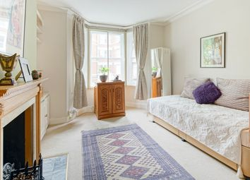 Thumbnail 3 bed flat for sale in Cremorne Road, London
