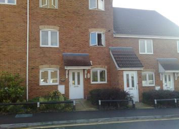 Thumbnail 2 bed flat to rent in Kathleen Court, Sarum Road, Luton, Bedfordshire