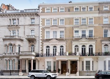 Thumbnail 3 bed flat to rent in De Vere Gardens, Hyde Park, Kensington, London
