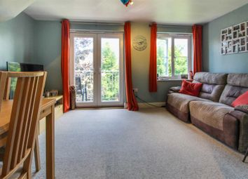 Telford Drive, Cippenham, Slough SL1. 2 bed flat for sale