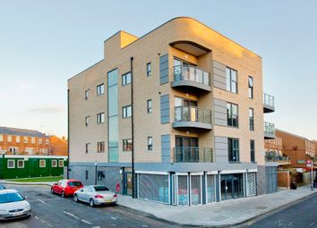 Thumbnail 4 bed flat to rent in Boleyn Road, London