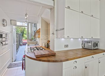 Thumbnail 2 bed flat for sale in Hawthorn Road, Crouch End, London