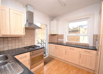 Thumbnail 3 bedroom flat to rent in High Road, East Finchley