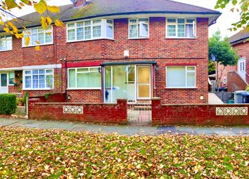 2 bed maisonette to rent in Harrowdene Road, Wembley HA0
